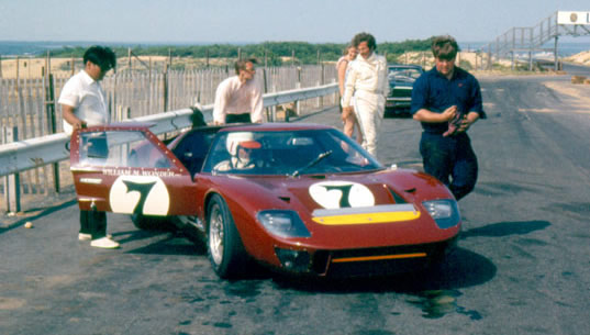 GT40 Bridgehampton Race Circuit